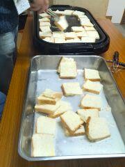 誕生会でフレンチトーストを作りました